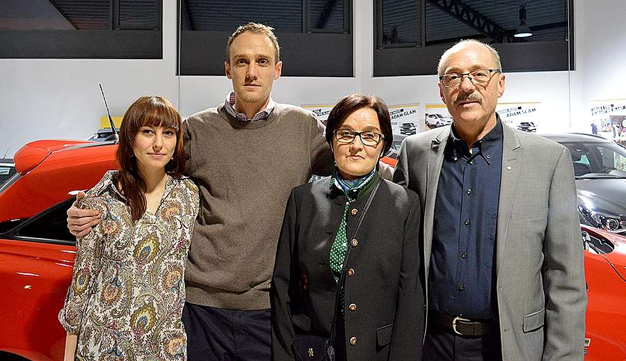 Senior Chef Helmut Simmerl mit Evi Simmerl, Junior Chef Jürgen Simmerl mit Freundin Katharina